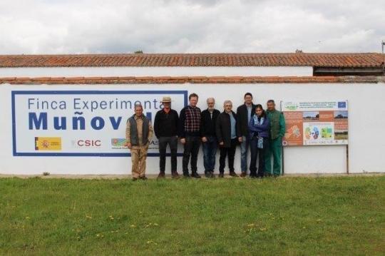 Jesús Ruiz visita la finca Muñovela en Salamanca para estudiar posibles aplicaciones de técnicas Keyline